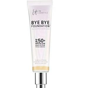 BNIB. iT BYE BYE Foundation light/medium